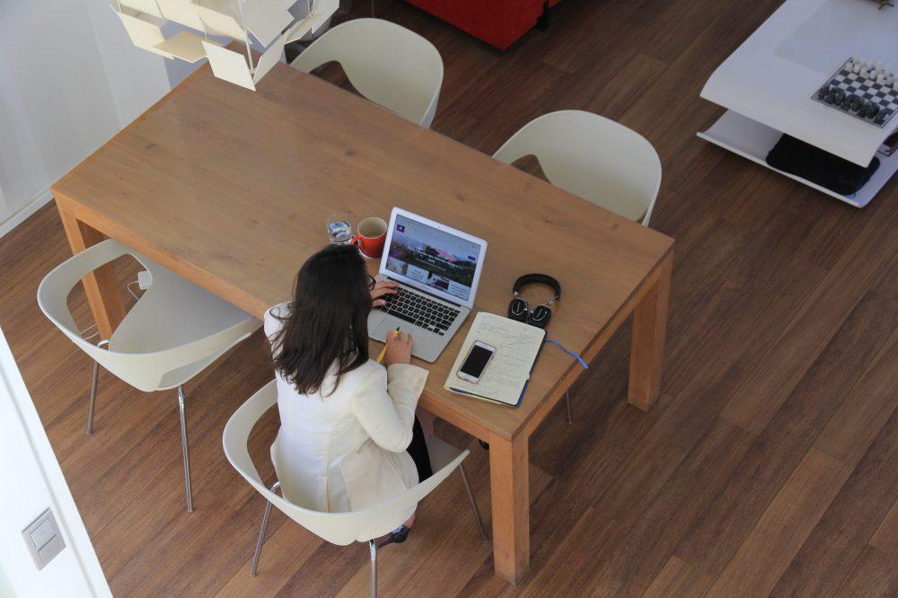 O nômade digital pode ser tanto freela quanto empresário ou funcionário em trabalho remoto