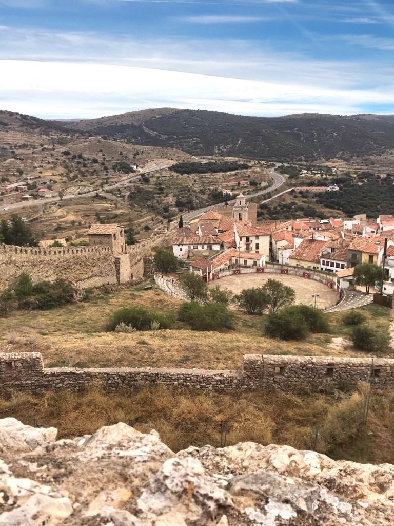 A vista do Castelo de Morella, em Castellón, Comunidade Valenciana, Espanha