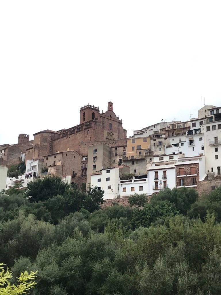 O que fazer, o que comer e onde se hospedar na cidade medieval de Vilafamés. Um povoado lindo da Comunidade Valenciana, na Espanha!