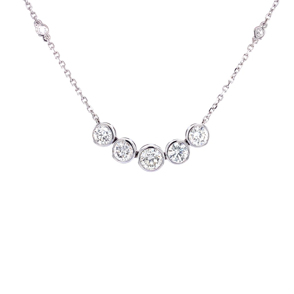 Necklace with five diamonds