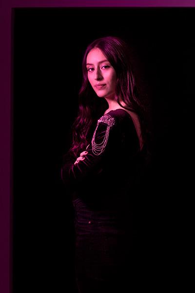 Daniela Bravo - Ultravioleta