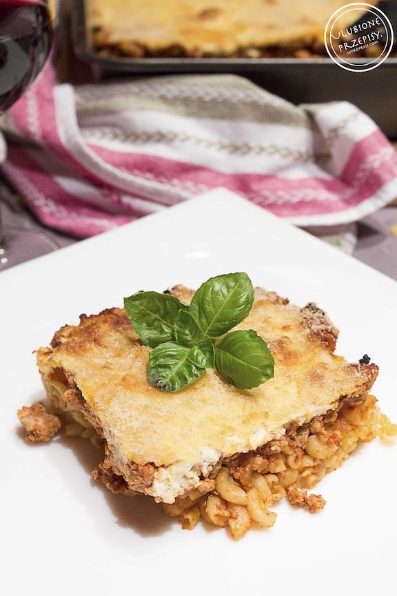 Pastitsio - zapiekanka z makaronem, mięsem mielonym i jogurtem