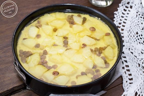Sernik cappuccino z ananasem i galaretką