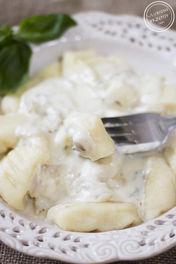 Gnocchi z sosem z sera Gorgonzola