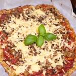 Pizza na spodzie z cukinii