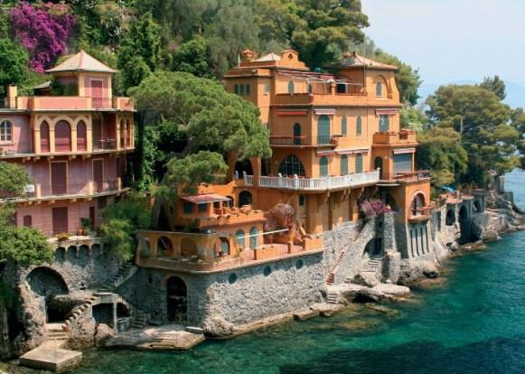 ом у моря Италия