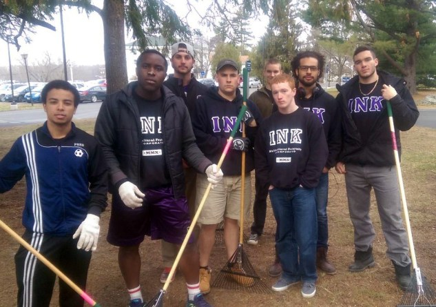 Iota Nu Kapp Service Project on Maine Day