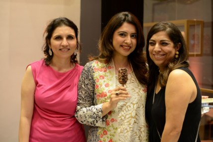 Gul Afridi (R), Sidra Iqbal & Fareshteh Aslam