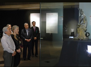 両陛下、「ほほえみの仏像」を鑑賞 東京国立博物館
