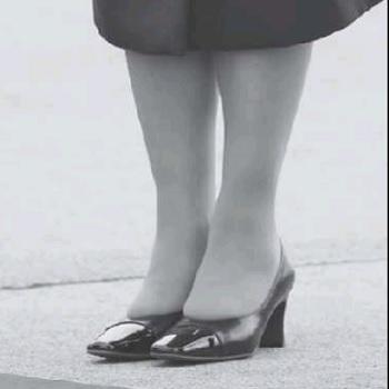 雅子さま天皇皇后お見送りの時の足