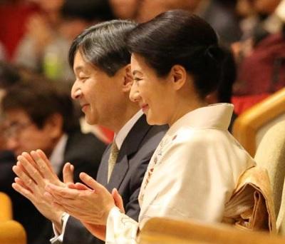日刊スポーツ大相撲観戦する皇太子と雅子さま