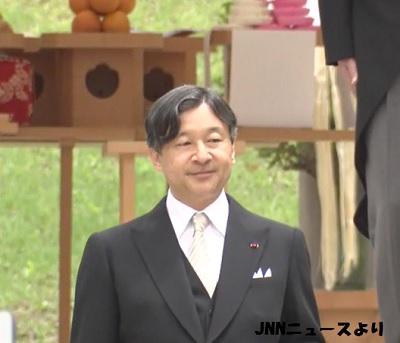 皇太子殿下が昭和天皇と香淳皇后の墓である「陵」を参拝