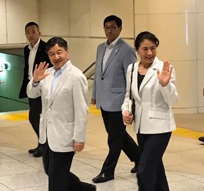 須崎御用邸から帰京の皇太子と雅子さま