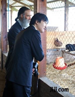 秋篠宮さま、チリの農業学校を視察