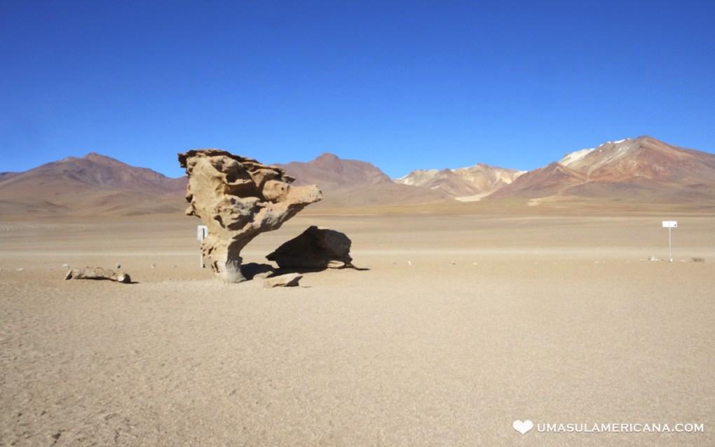 Montanhas Coloridas da América do Sul - Árbol de Piedra no Deserto de Dalí - Salar de Uyuni