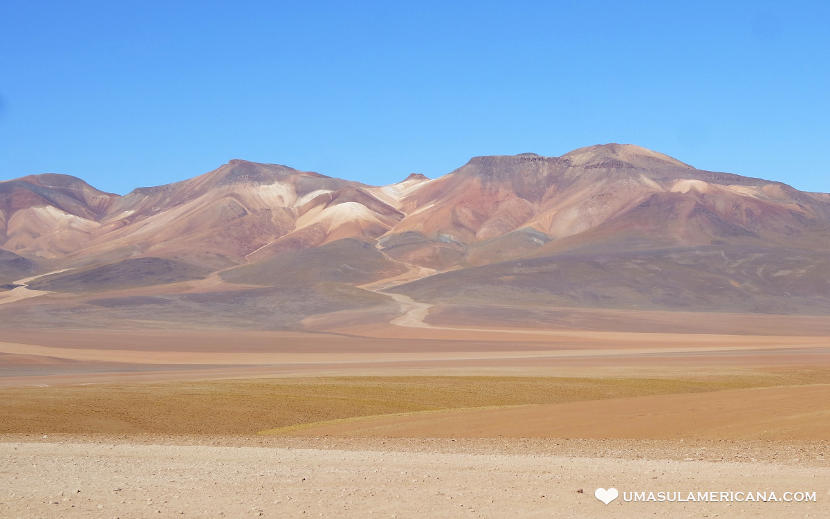 Montanhas Coloridas da América do Sul - Deserto de Dalí - Salar de Uyuni