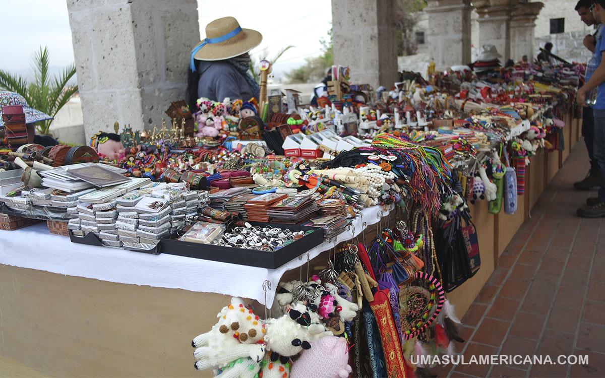 Feira de artesanato no Peru - 10 Mandamentos do Viajante no Peru - Dicas para sua viagem