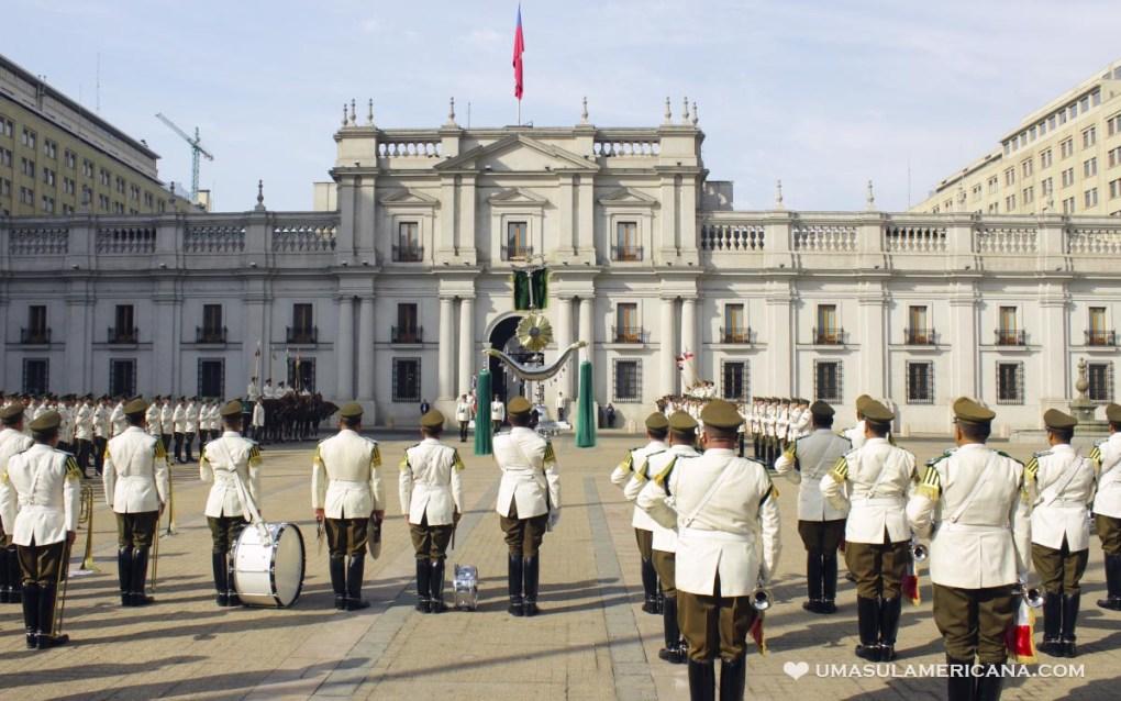 Free Tour Santiago - Troca de Guarda na Casa La Moneda