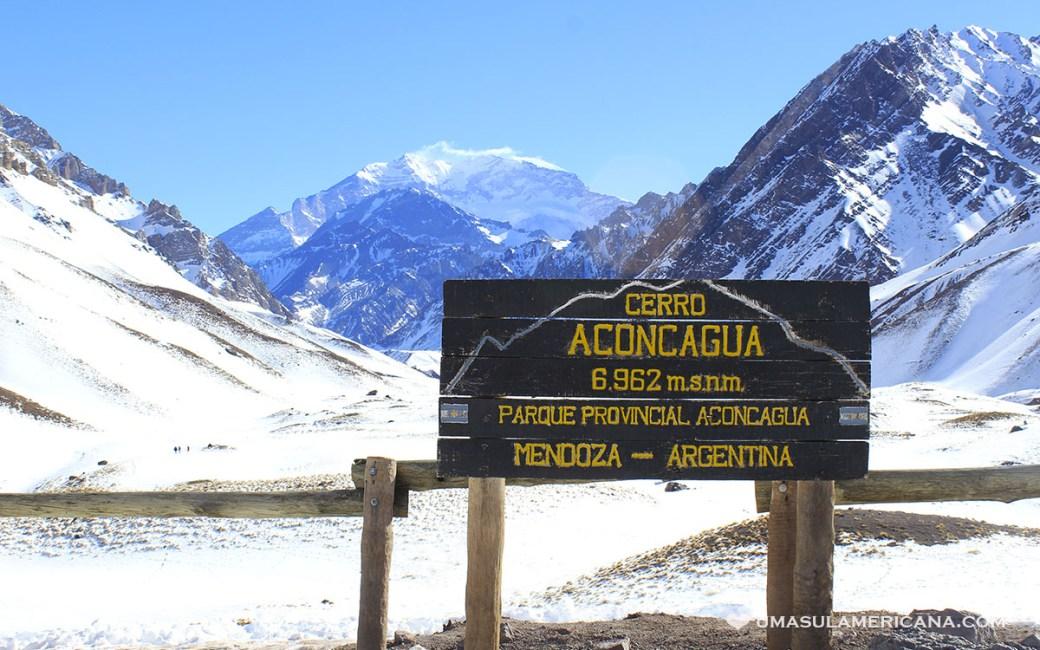 Cerro Aconcágua, na fronteira da Argentina e Chile