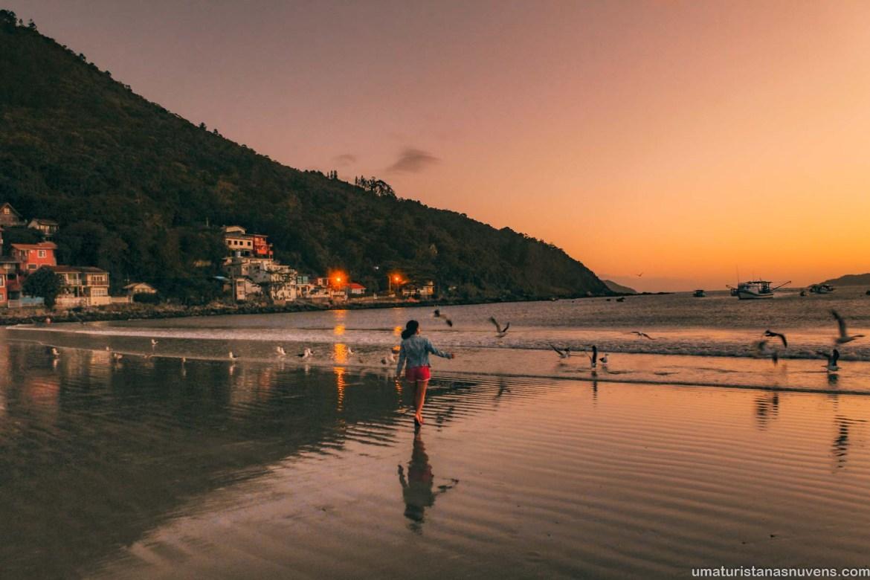 O que fazer em Florianópolis em 7 dias - roteiro - por do sol Praia do Pântano do Sul