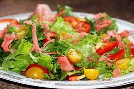 Салат с маринованным имбирем помидорами. Салаты с маринованным имбирем: рецепты и советы. Сочетания острого корня со свеклой и чесноком