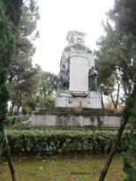 Terni piazza Briccialdi, l monumento ai Caduti