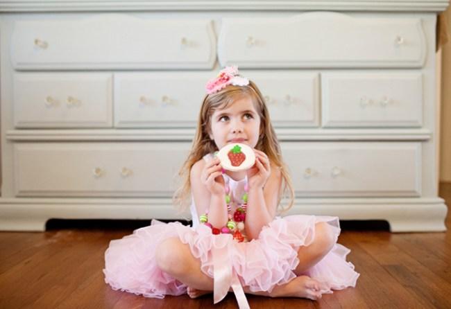 um-doce-dia-decoracao-festa-morango-11