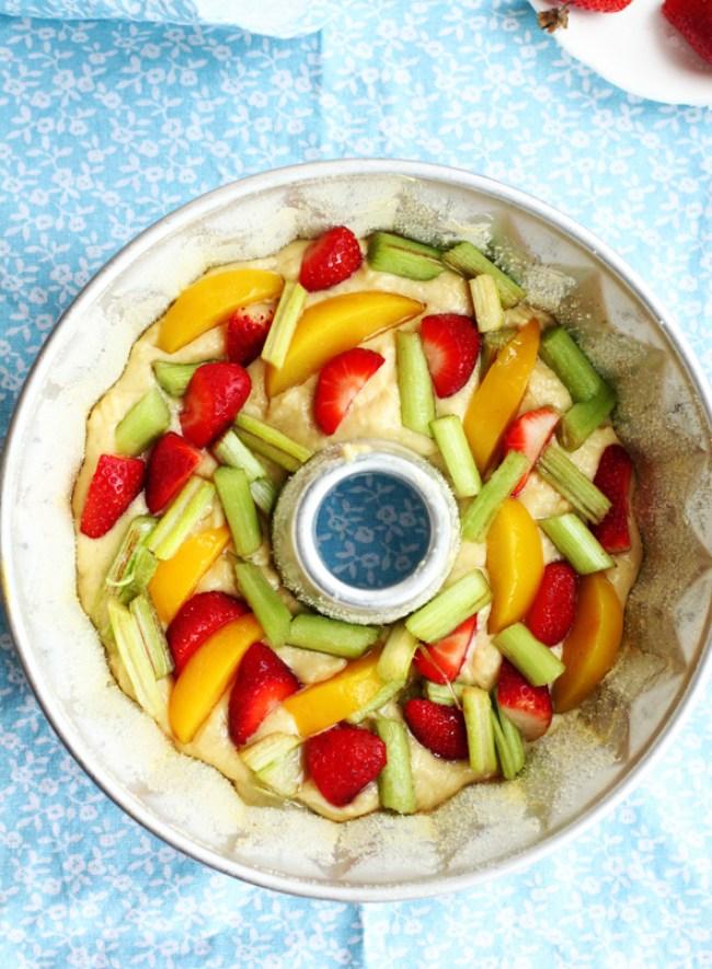 um-doce-dia-bolo-iogurte-com-frutas-04