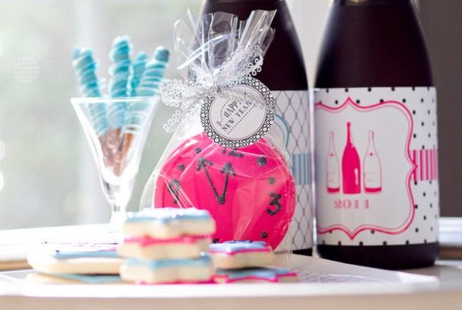 um-doce-dia-feliz-ano-novo-diferente-azul-branco-pink-01