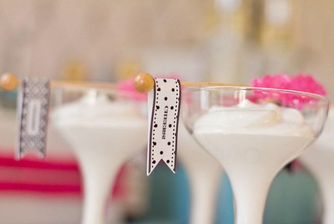um-doce-dia-feliz-ano-novo-diferente-azul-branco-pink-03