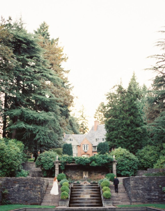 um-doce-dia-a-elegancia-do-jardim-e-suas-escadas-de-pedra-31
