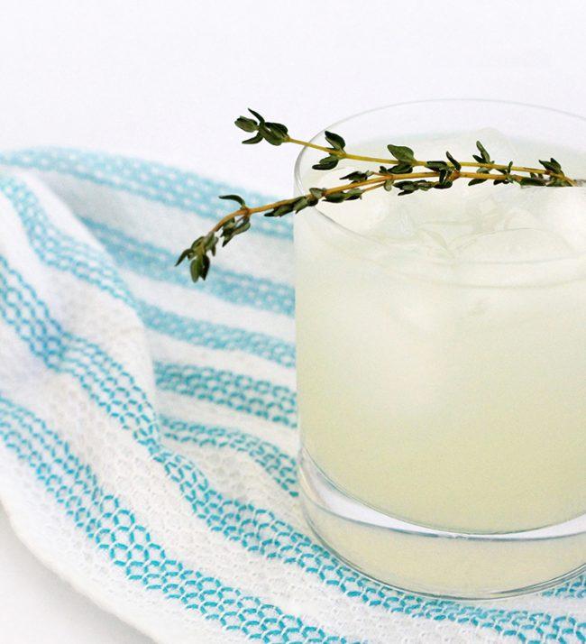 um-doce-dia-limonada-de-tomilho-01