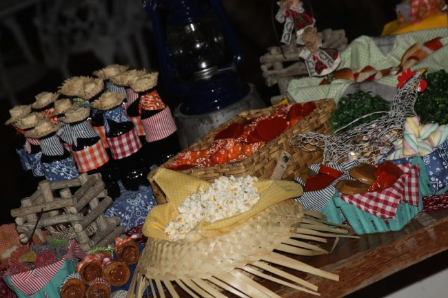 um-doce-dia-festa-junina-caseira-09