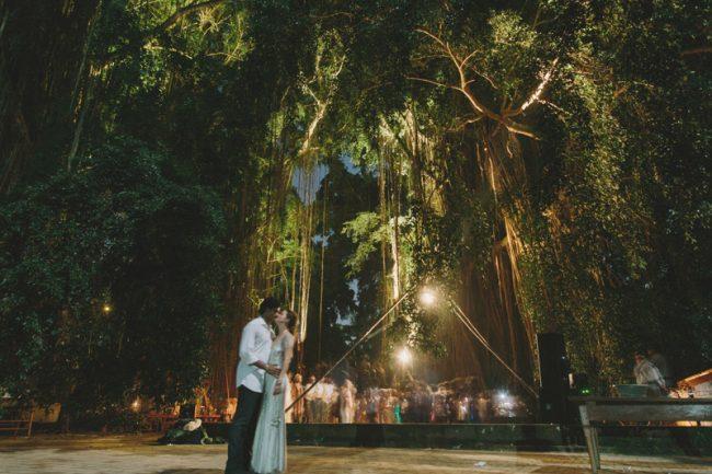 um-doce-dia-casamento-em-bali-indonesia-banyan-33