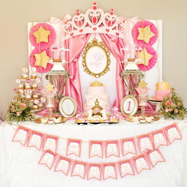 um-doce-dia-festa-da-princesa-tons-de-rosa-e-dourado-01