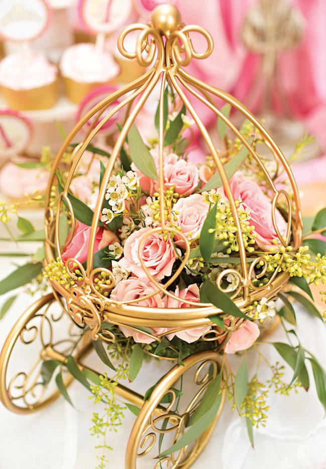 um-doce-dia-festa-da-princesa-tons-de-rosa-e-dourado-05