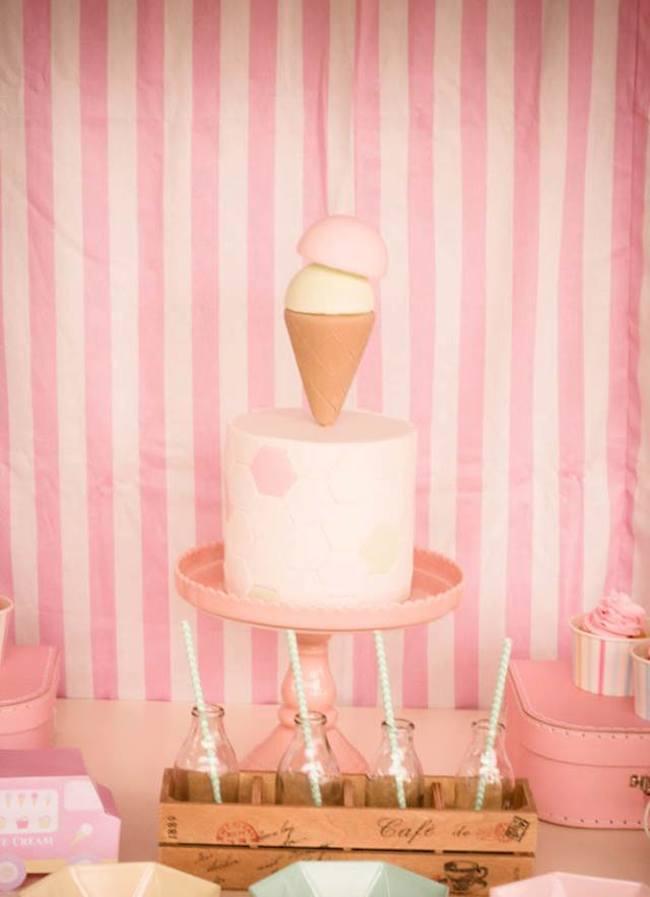um-doce-dia-festa-um-pouco-de-sorvete-cor-de-rosa-07