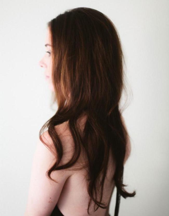 um-doce-dia-penteado-ondulado-minimalista-e-duradouro-01