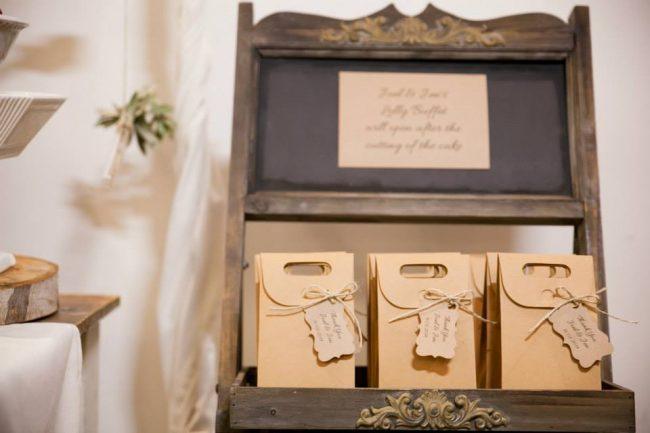 um-doce-dia-casamento-entre-rosas-olivas-e-alecrim-25