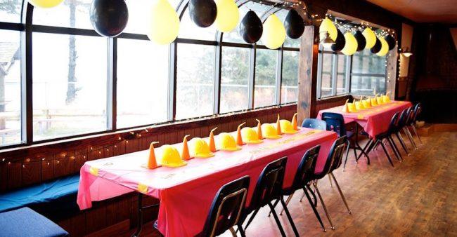 um-doce-dia-decoracao-aniversario-de-menino-cuidado-area-em-construcao-11
