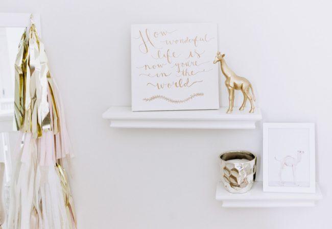 um-doce-dia-decoracao-quarto-de-bebe-branco-celestial-05