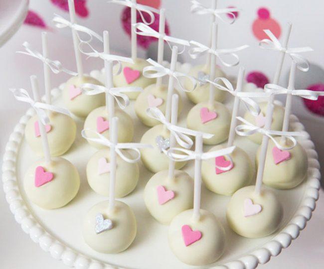 um-doce-dia-festa-de-adolescente-coracao-rosa-04