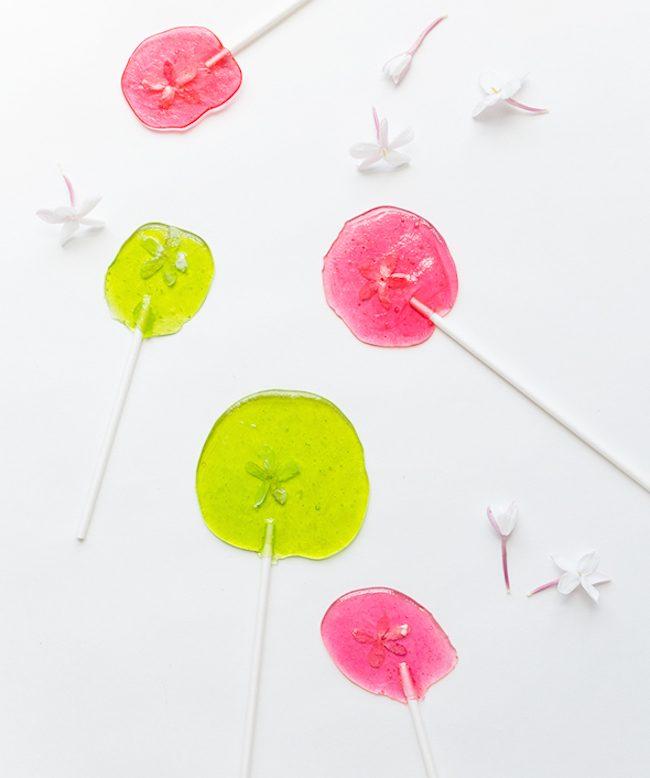 um-doce-dia-para-fazer-com-as-criancas-pirulitos-floridos-01