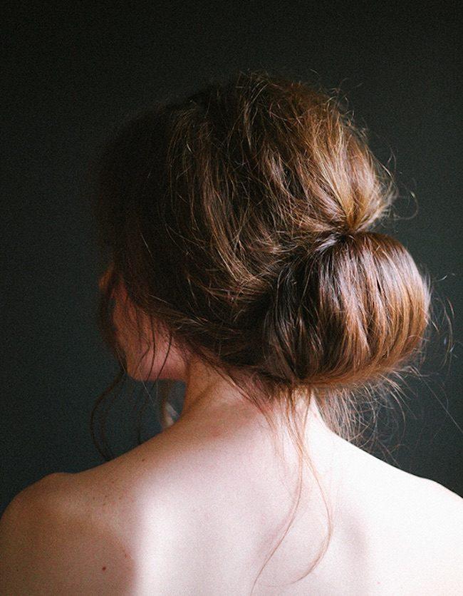 um-doce-dia-penteado-simples-coque-meio-solto-01