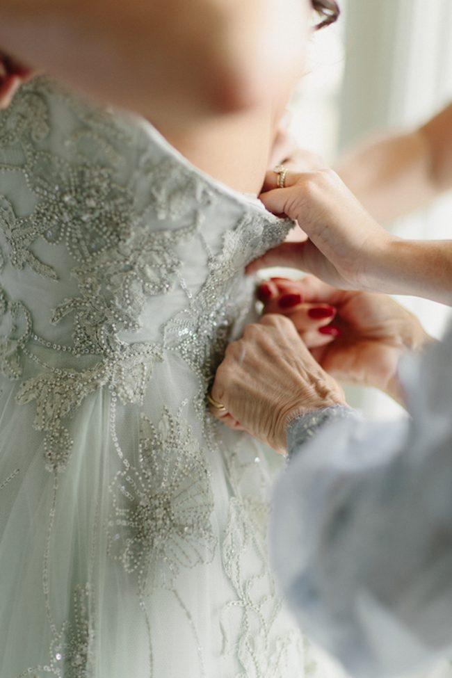 um-doce-dia-casamento-floral-acinzentado-04