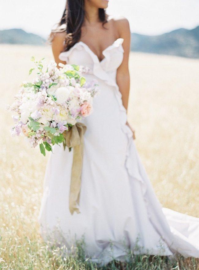 um-doce-dia-casamento-inspiracao-romance-relvado-09