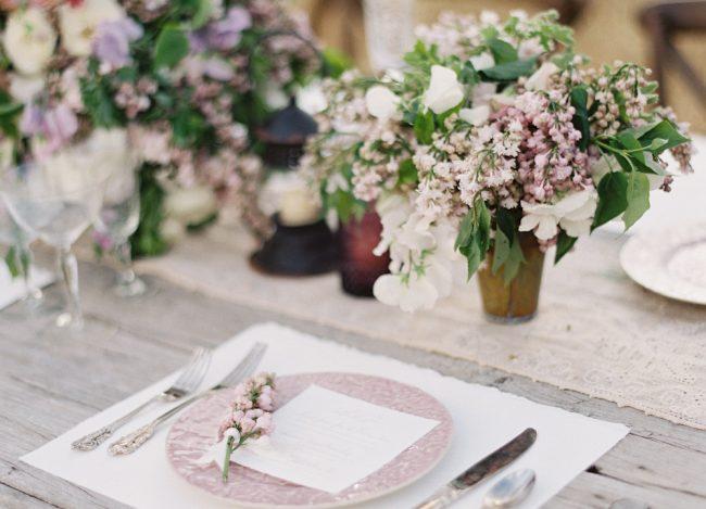 um-doce-dia-casamento-inspiracao-romance-relvado-15