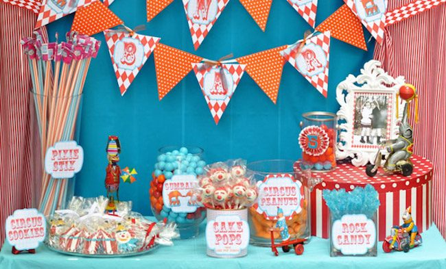 um-doce-dia-festa-infantil-gemeos-circo-no-quintal-01