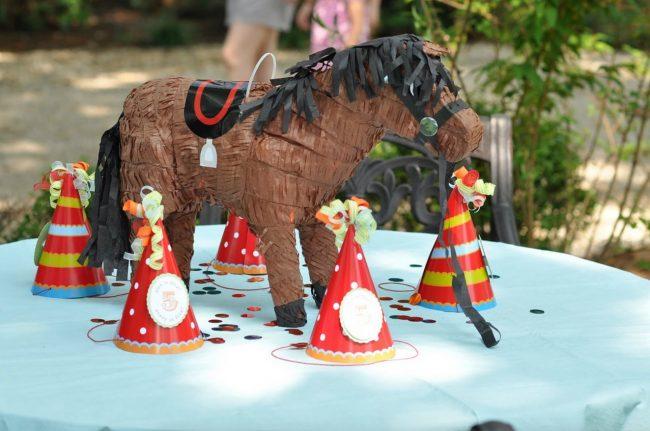 um-doce-dia-festa-infantil-gemeos-circo-no-quintal-17