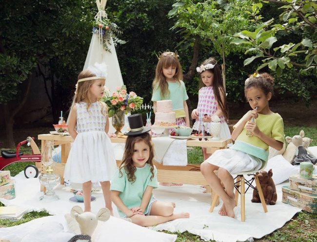um-doce-dia-infantil-meninas-inspiracao-um-lunatico-cha-da-tarde-festa-dos-chapeus-01
